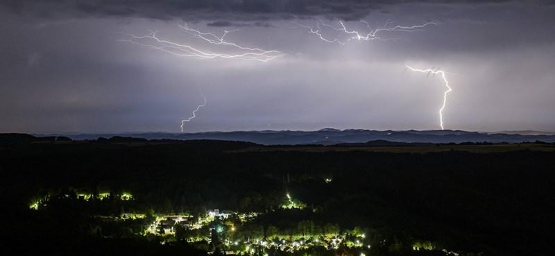 """Erre mondják a viharvadászok, hogy """"hű"""": csodaszép villámparádé volt Texasban"""