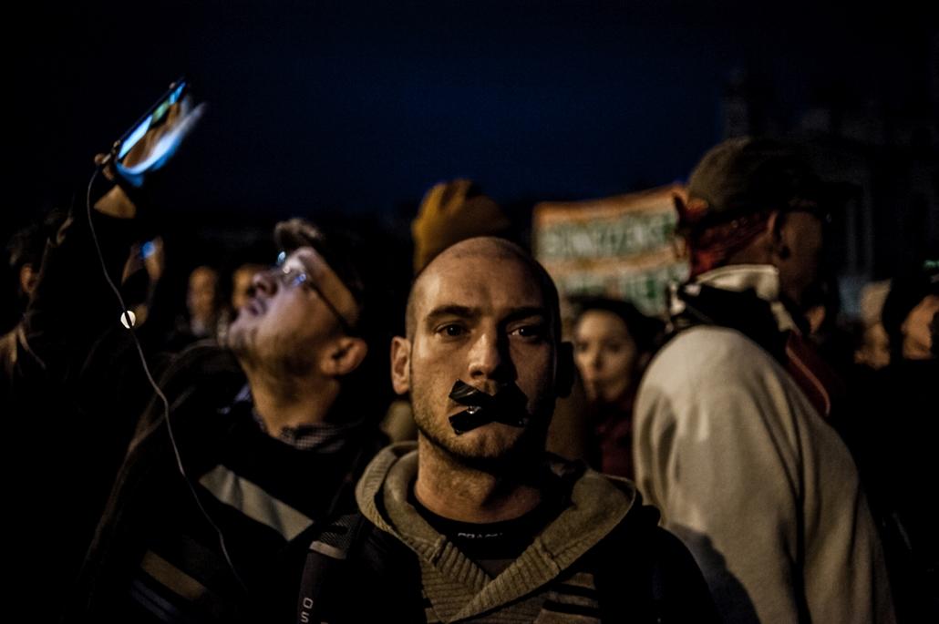 Hír-, eseményfotó (egyedi) - 3. díj: Markoszov Szergej (Szabadúszó): Nincs többé Népszabadság