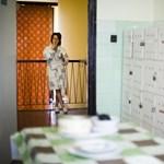 Egymilliós fizetés háztartási munkáért - több száz tanár és ápoló jelentkezett