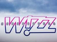 Bunyóztak a Wizz Air gépén, fizetniük kell
