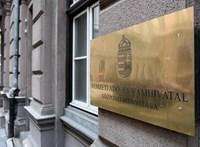 Három cégből kettő szeptemberre halasztotta a társaságiadó-bevallást