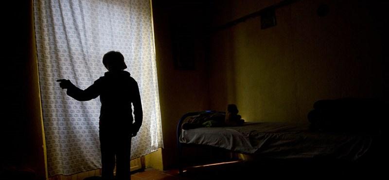 Többtucatnyi lányt dolgoztatott prostituáltként egy magyar nő és rendőr férje Londonban