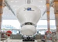 Elkészült a szupergép: kigördült a hangárból az Airbus hatalmas repülőjének új példánya