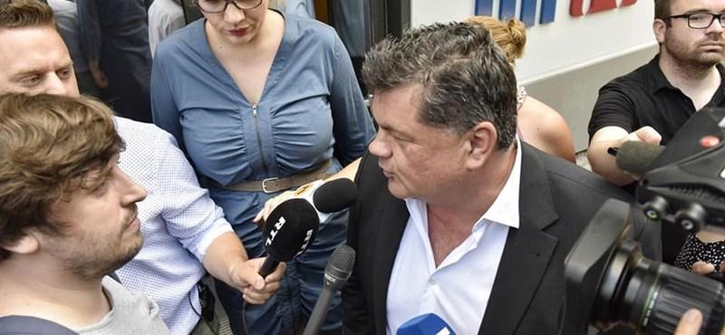 Pár perc alatt zavarták le a HírTV-s hatalomátvételt, videó is van Nyerges beszédéről