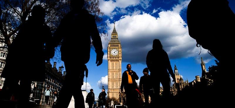Szaúd-Arábia bevásárolná magát a brit sajtóba