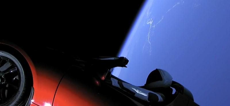 """""""Azt ígérték, boldog leszek/Teslával egy kört, ha teszek"""" - Dolák-Salyt is megihlette az űrautó"""