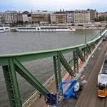 Fotó: Láthatóvá váltak az egykori Ferenc József híd maradványai a Dunában