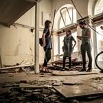 Áprilistól kivirul néhány bedeszkázott budapesti kirakat