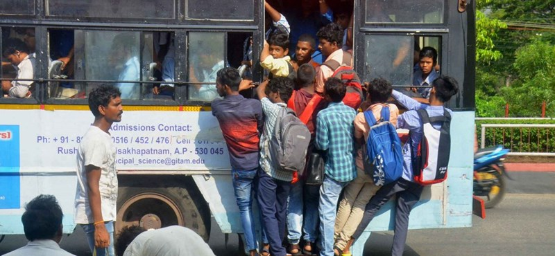 48 ezer embert rúgtak ki egy indiai vállalattól, mert sztrájkoltak