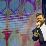 Ricky Martin még mindig hitelesen riszálja a csípőjét