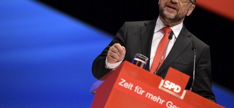 Visszatérhet az Európai Parlamentbe Orbán régi ellenfele, Martin Schulz