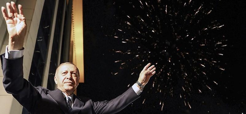 A Nyugat dilemmája, mit kezdjen a kettős játékot űző Erdogannal