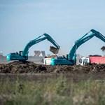 Olasz rendszámú bérautókkal építik a BMW debreceni gyárát