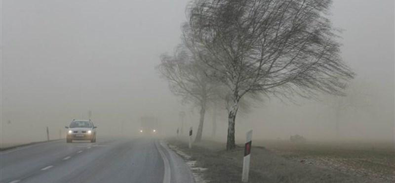 Betört az ősz, 14 megyére adtak ki figyelmeztetést a szél miatt