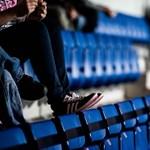 Több szurkoló lezuhant a kisvárdai stadion lelátójáról, egyikük agyrázkódást kapott