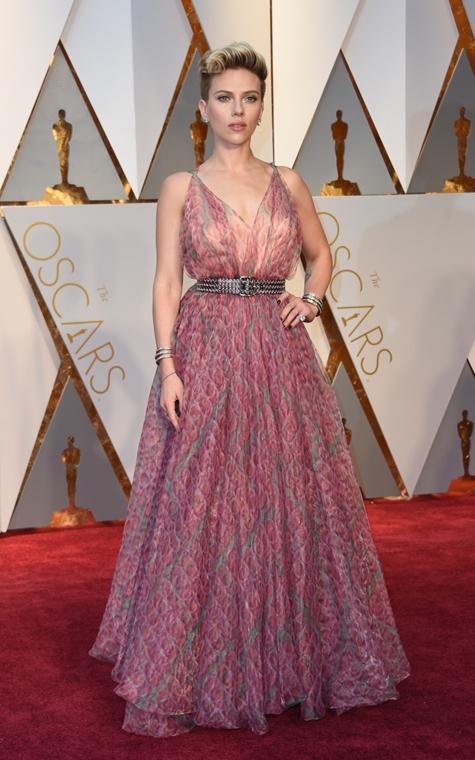 afp.17.02.27. - Hollywood, USA: 89. Oscar-díj - érkezés - Scarlett Johansson - Oscar-díj 2017