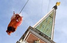 Angyalt reptettek a velencei karneválon – fotók
