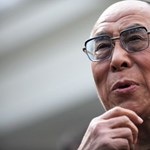 Béke és szeretet? A dalai láma hiteles, a politika viszont hajlékony