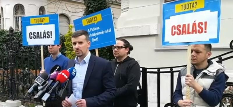 A Jobbik és a DK szerint is csalt a Fidesz