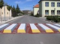 Nem lehet nem észrevenni: 3D-zebrát készítettek Dorogon