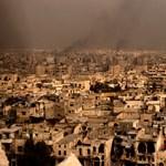 Buszkonvoj ellen hajtottak végre öngyilkos merényletet Aleppónál