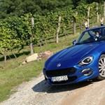 Felturbózva: teszten a nyitott tetős japán Alfa Romeo