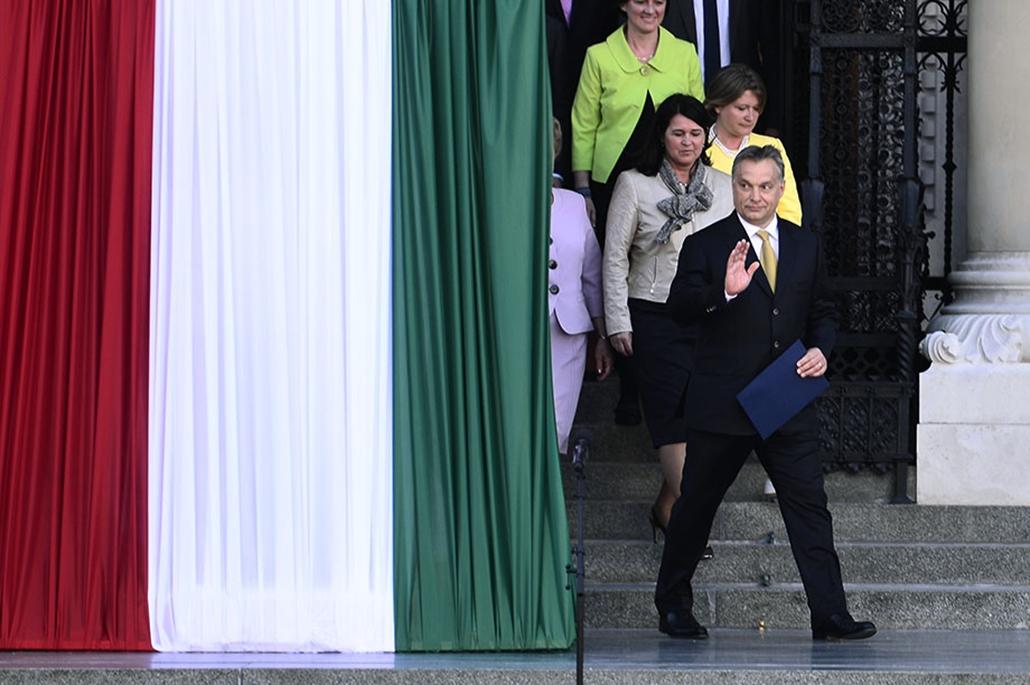 SA, Orbán Viktor, Parlament, Fidesz