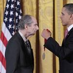 Lealázta a Wikipedia a Nobel-díjra jelölt írót