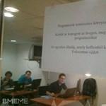 Meglepő felirat várja az egyetemistákat a BME-n - fotó