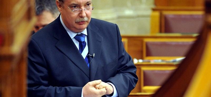 Meghalt Kiss Péter volt kancelláriaminiszter