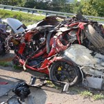 Mi marad egy 260-nal teherautónak ütköző Porsche 911-ből? - fotók