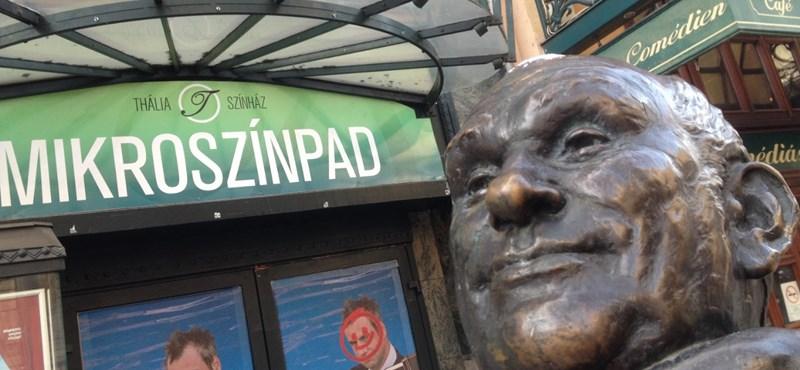 Leszakították a Hofi-szobor fejét