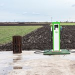 Harminc százalékkal több áramot töltenek az elektromos autókba Magyarországon