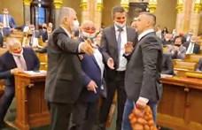 Kövér 4,4 millióra büntette Jakabot a krumplis akciója miatt