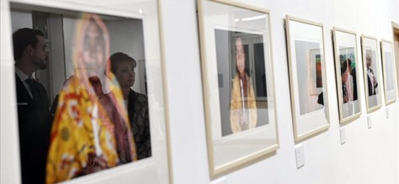 A modern rabszolgaságról nyílt kiállítás Budapesten