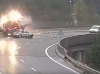 Videóra vették, ahogy a mélybe zuhan egy magyar kamionos Szlovéniában