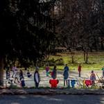 Bolondulnak a lányok az első magyar családban nevelkedő menekült gyerekért