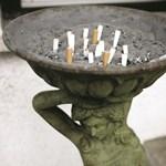 Halálos fenyegetéseket kap a férfi, aki keresztbe tett a dohányosoknak