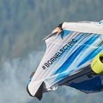 Világelső szárnyas repülőruha a BMW-től – videó