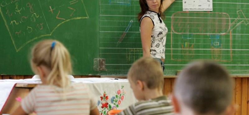 16 ezer tanár vár a fizetésére: bajban vannak az alapítványi iskolák