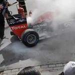 Ilyen, amikor elfüstöl egy Forma-1-es Red Bull – videó