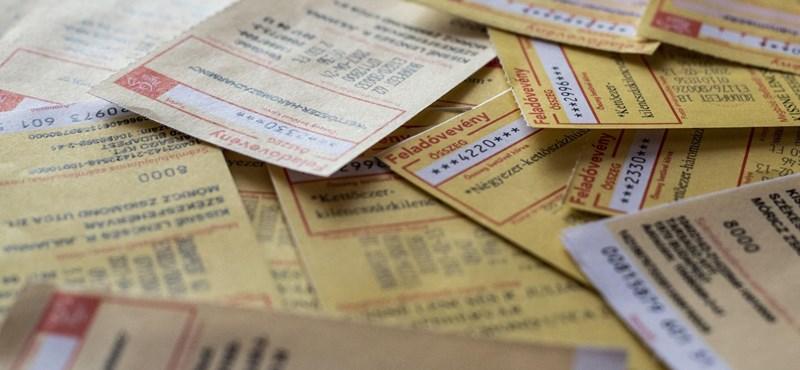 TASZ: A kormány megveszi a nyugdíjasokat