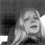 WikiLeaks-botrány: nagy ajándékot kapott Obamától a transznemű exhírszerző