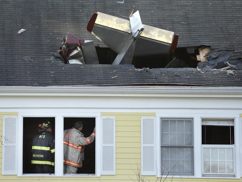 AP_! - márc.14-ig_! - Kisrepülőgép balesete az Egyesült Államokban - 7képei