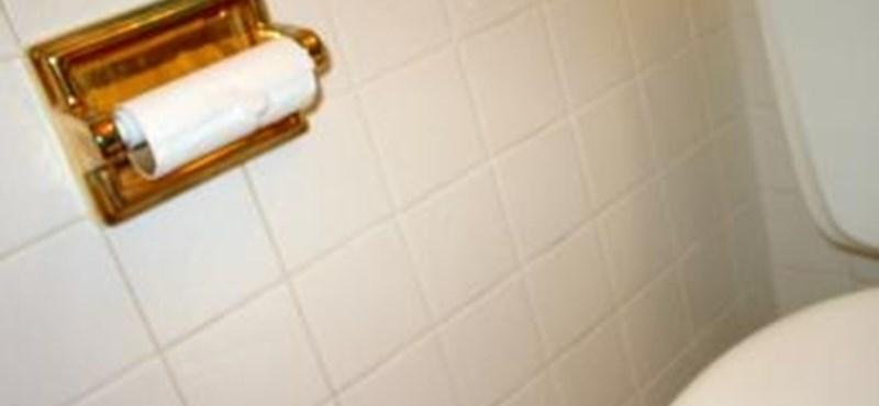 Ijesztően koszos a kórházi vécé? A fenntartó szerint előfordulhat