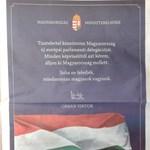 Fotó: Egész oldalas hirdetéssel üzen Orbán az EP-képviselőknek