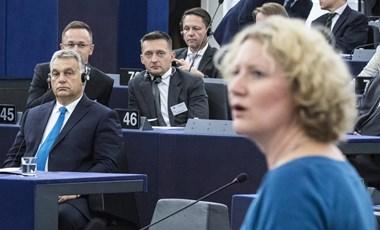 Hetes cikkel a magyar kormány ellen: atombomba, használati utasítás nélkül