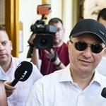 Így tartották el Magyarországról az Orbánhoz szökött Gruevszki médiumait