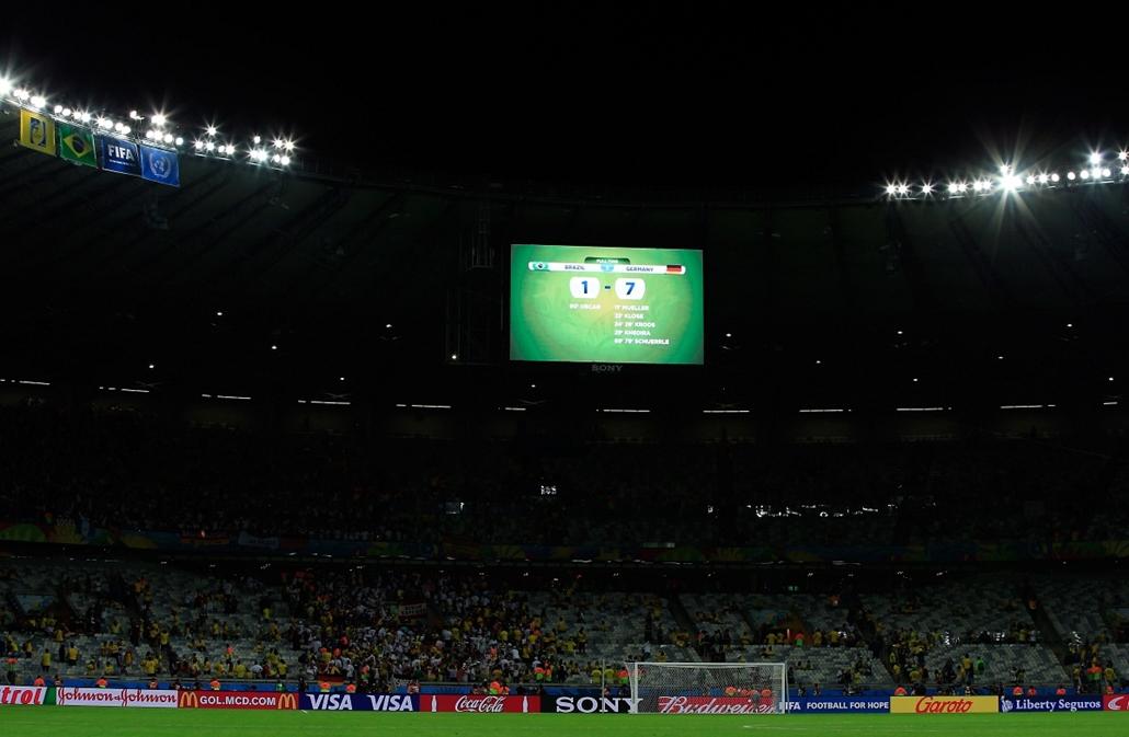 afp.14.07.08. – Belo Horizonte, B.RAZ: 59. meccs – brazília-németország-brazília meccs - vb14meccs, Julio Cesar, Andre Schuerrle, Schürrle, foci-vb 2014