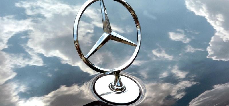 Kecskeméten már a hóesés is Mercedes-mintájú